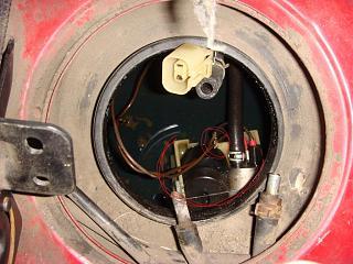 Проводка на топливный насос Р10-dsc06884.jpg