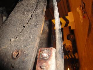 Замена тросика ручника Р12-dsc03942.jpg
