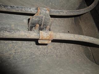 Замена тросика ручника Р12-dsc03948.jpg