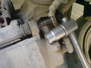 Клепаем накладки на передние колодки-dsc03626.jpg