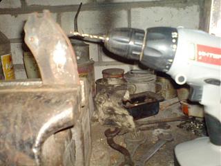 Клепаем накладки на передние колодки-dsc03646.jpg