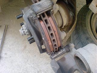 Клепаем накладки на передние колодки-dsc03655.jpg
