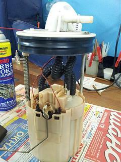 P12  топливный фильтр и бензонасос-20130416_162740.jpg