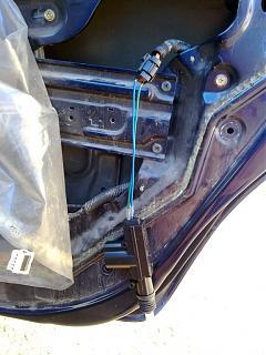 Ремонт привода замка двери. Установка активатора от ВАЗ-220720131963.jpg