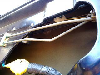 Ремонт привода замка двери. Установка активатора от ВАЗ-220720131967.jpg