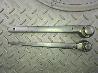 Замена заднего дворника (поводка) универсала на новый безкаркасный от VW-vesnsvxmgbc.jpg