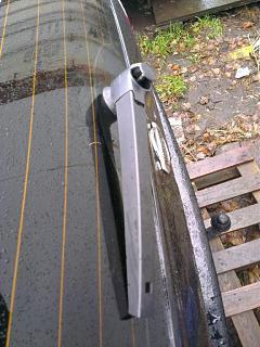Замена заднего дворника (поводка) универсала на новый безкаркасный от VW-p6ta75bbyg8.jpg