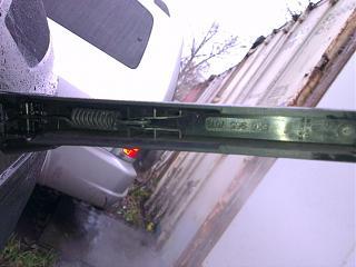 Замена заднего дворника (поводка) универсала на новый безкаркасный от VW-q3b0vazft2o.jpg