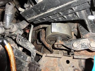Левая подушка двигателя (коробки)-dsc02207.jpg