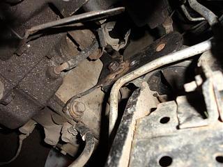 Левая подушка двигателя (коробки)-dsc02208.jpg
