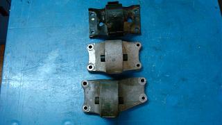 Левая подушка двигателя (коробки)-dsc05281.jpg