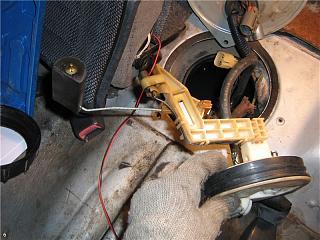 Бензонасос. Снятие, чистка сеточки. Замена топливного фильтра Р10-9.jpg