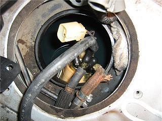 Бензонасос. Снятие, чистка сеточки. Замена топливного фильтра Р10-10.jpg