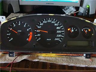Спидометр и передняя консоль - Снятие. Замена ламп в приборной панели Р11.-ed6b963d648e.jpg