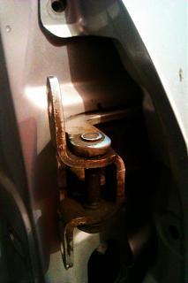 Замена петель передней правой двери-imag3345.jpg
