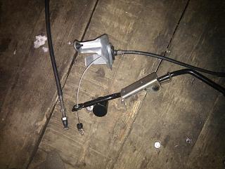 Замена тросика акселератора (педали газа)-1.jpg