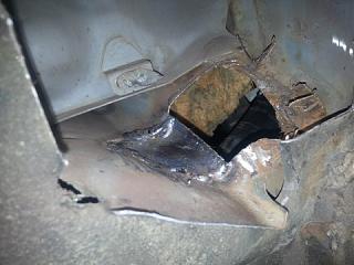 Течет вода в ноги переднего пассажира (или с водительской стороны)-10.jpg