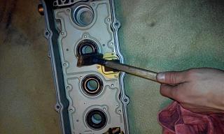 Замена прокладки клапанной крышки и сальников свечных колодцев QG16-img_20150114_125810.jpg