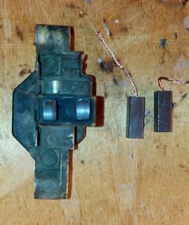 Замена щёток в регуляторе напряжения генератора Bosch SR20Di-3.jpg