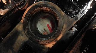 Замена сальников свечных колодцев на оригинал. Двигатель QR20DE.-vyrez_2.jpg