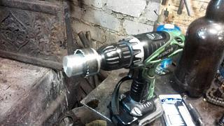 Замена сальников свечных колодцев на оригинал. Двигатель QR20DE.-instrument-shurupovert.jpg