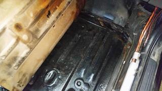 Брак антикорозийного покрытия кузова Р11? или откуда под антикором черный металл-20.jpg