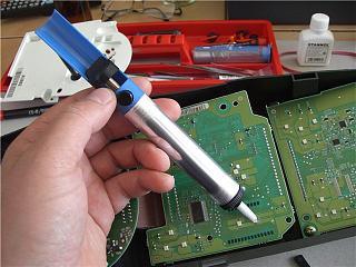 Меняем цвет панели приборов. Перепайка диодов P12 2003г.-29c0d0411683.jpg