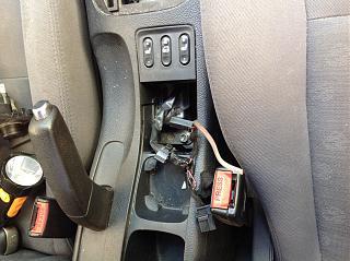 Доп. Розетка в багажнике седан р12-image.jpg